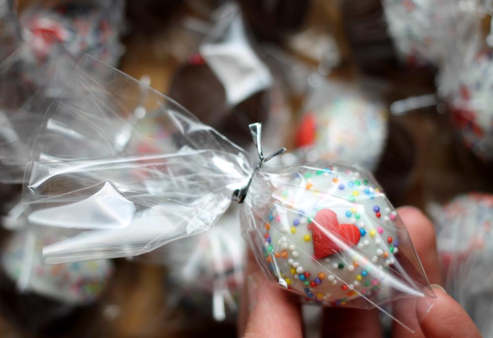 PB-chocolate-cupcake-bites-bagged