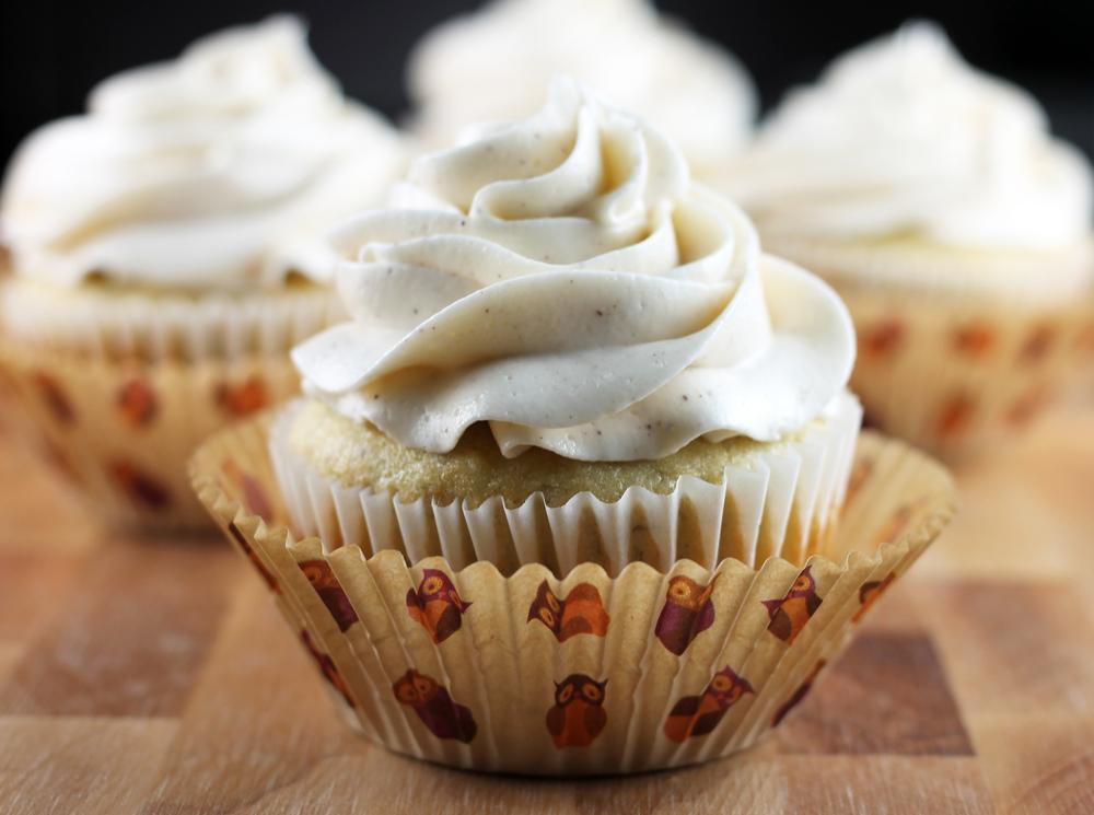 Banana Cupcakes & Honey-Cinnamon Frosting ...
