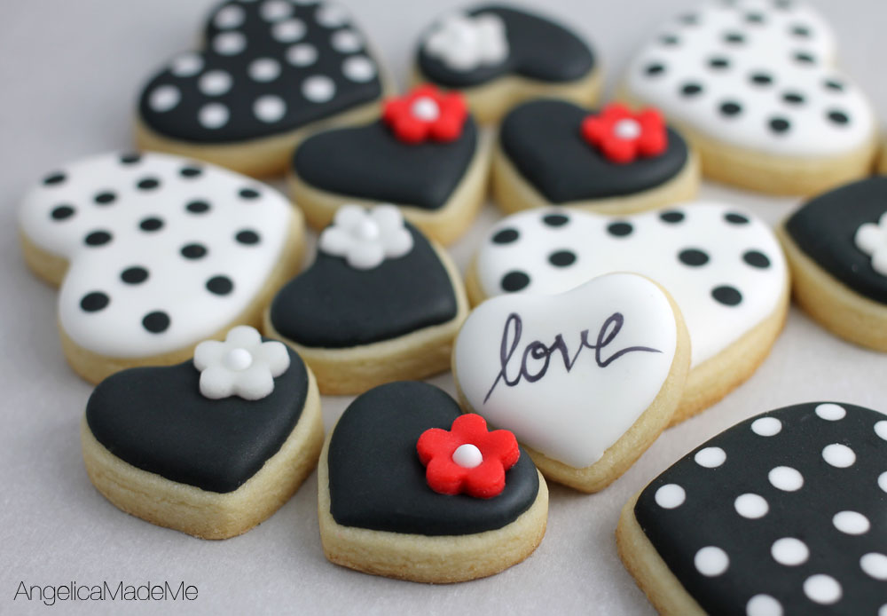 hand decorated cookies - Decorated Valentine Cookies