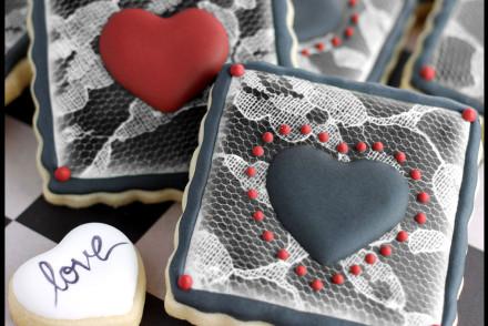 ValentineBlackHeartCookies copy02