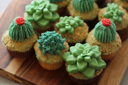 Succulent-Cactus-Cupcakes-02
