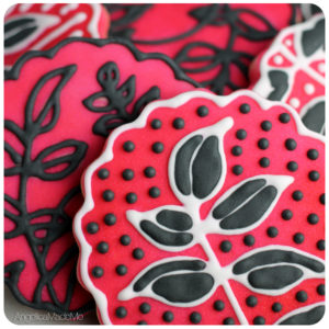 Outlined Vine Airbrushed Cookies