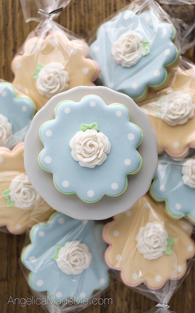 Pretty Pastel Fondant Flower Cookies